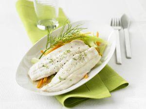 Saibling mit Gemüse Rezept