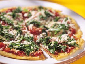 Salami-Pizza mit Rucola Rezept