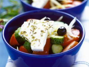 Salat auf griechische Art Rezept