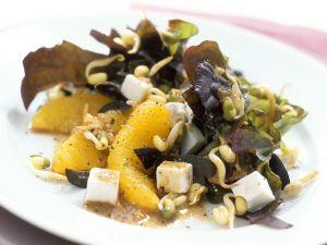 Salat mit Feta, Orangen und Sojasprossen Rezept