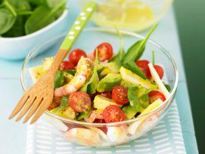 Salat mit Garnelen und Avocado Rezept