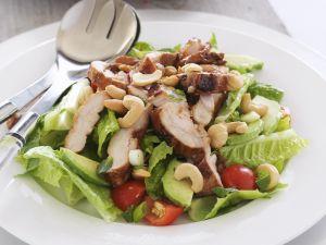 Salat mit Hähnchen Rezept