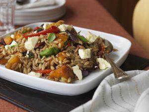 Salat mit Kürbis, Orzo und Schafskäse Rezept