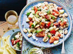 Salat mit weißen Bohnen und Feta Rezept