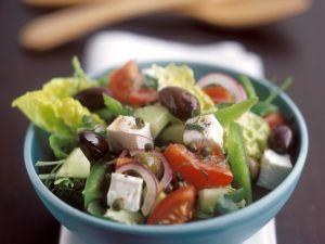 Salat nach griechischer Art Rezept