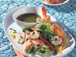 Salat von Fisch und Meeresfrüchten Rezept