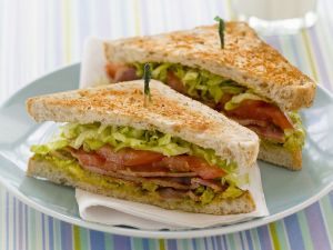 Sandwich mit Bacon und Tomate Rezept