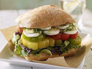 Sandwich mit Tomaten und Ei Rezept