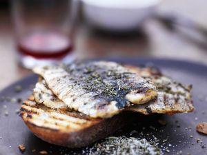Sardinen vom Grill mit Rosmarin Salz Rezept
