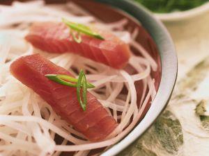 Sashimi mit Thunfisch und Rettich Rezept