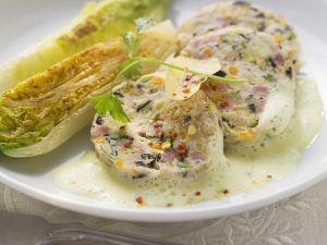 Saumagen nach Pfälzer Art mit Zitronensauce und gebratenem Salat Rezept