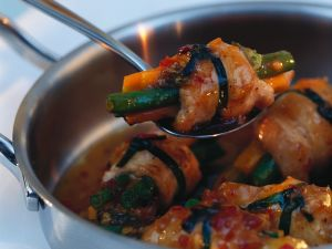 Scharfe Hähnchen-Gemüse-Rollen Rezept