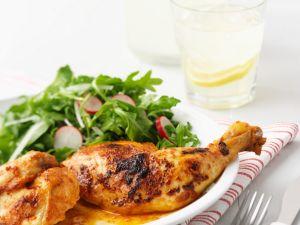 Scharfes Hähnchen mit Salat Rezept