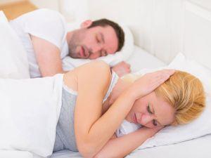 Schnarchen: Tipps für ruhige Nächte