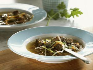 Schnelle Rindersuppe mit Gemüse Rezept