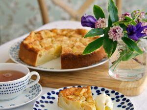 Schneller Apfelkuchen mit Quark Rezept