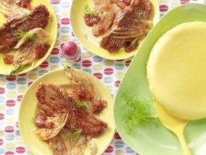 Schnitzel mit Tomatensauce und Polenta Rezept
