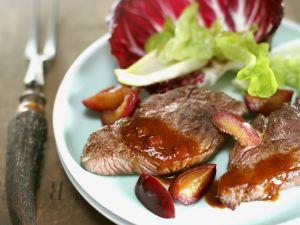 Schnitzel vom Hirsch mit Pflaumensoße Rezept