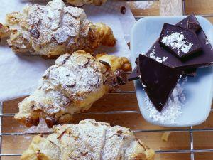 Schoko-Croissants mit Haselnüssen und Ingwer Rezept