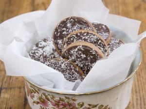 Schoko-Rum-Kekse mit Kokos Rezept