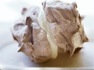 Schokobaiser mit Vanillecreme Rezept