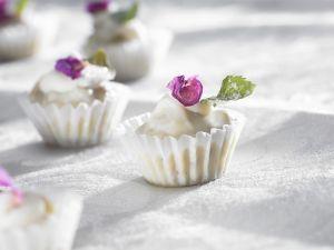 Schokokonfekt mit Blüten Rezept