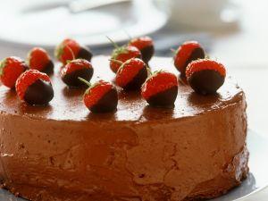 Schokoladentorte mit Erdbeeren Rezept
