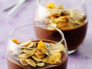 Schokopudding mit Mandelblättchen Rezept