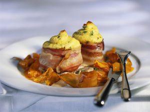 Schweinemedaillons mit Speckwickel und Kartoffeltuff Rezept