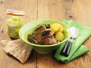 Schweinerippen mit Sahnesauce und Kartoffeln Rezept