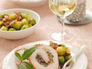 Schweineröllchen mit Pilzen, dazu Rosenkohl und Kartoffeln Rezept