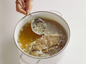 Selbsgekochte Rinderbrühe Rezept