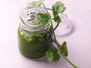 Selbstgemachtes Koriander-Sesam-Pesto Rezept