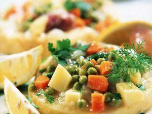 Selleriescheiben mit Gemüsesauce Rezept