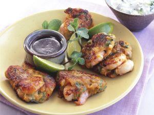Shrimps-Süßkartoffel-Bratlinge mit Gurkenjoghurt Rezept