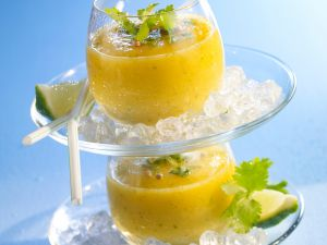 Smoothie mit Ananas und Koriander Rezept
