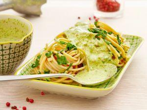 Spaghetti mit Bärlauchsauce Rezept