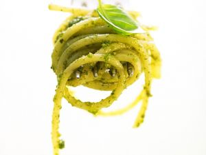 Spaghetti mit Basilikumpesto Rezept