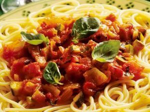 Spaghetti mit Gemüsesauce Rezept
