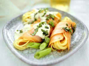 Spaghetti mit geräuchertem Lachs und Porree Rezept