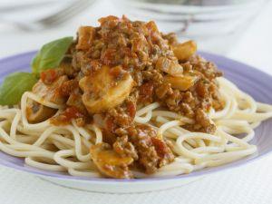 Spaghetti mit Hackfleisch-Champignon-Soße Rezept
