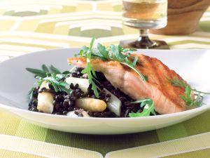 Spargel-Linsen-Salat mit gebratenem Lachs Rezept