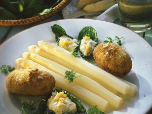 Spargel mit Kartoffeln und Eiersauce Rezept