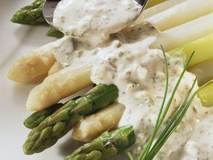 Spargel weiß und grün mit Tatarensoße Rezept