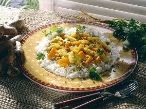 Spargel-Möhrencurry mit Reis Rezept