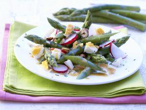 Spargelsalat mit Ei und Radieschen Rezept