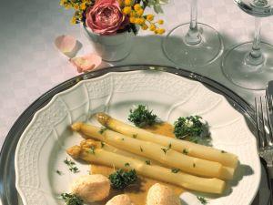 Spargelsalat mit Lachsmousse Rezept