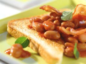 Speck-Bohnen zu Toast Rezept