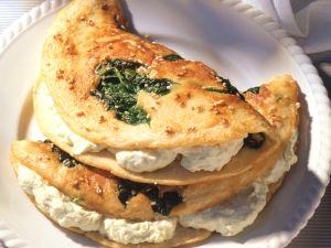 Spinat-Sesam-Pfannkuchen mit Käsecreme Rezept