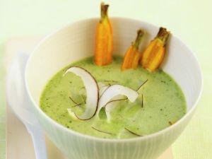 Spinatcremesuppe mit Kokos und Karotten Rezept
